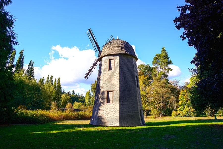 Windmill in Redmond.
